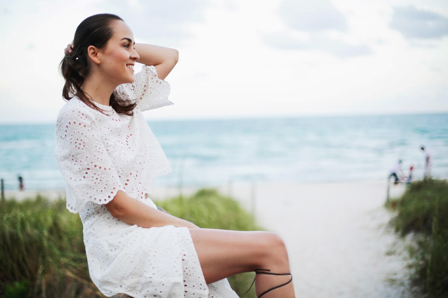 Fashion Blogger Andy Torres wearing a crochet set from ZARA in South Beach Miami